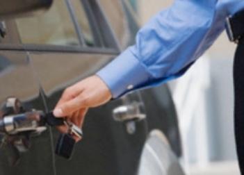 Contributi per acquisto auto e formazione